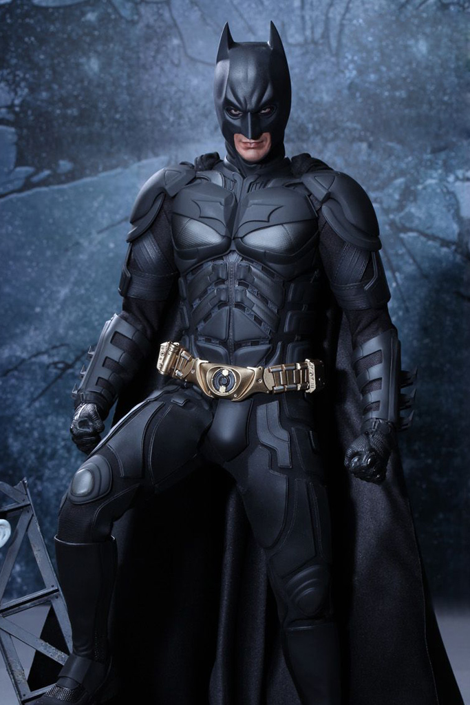 Image the dark knight rises batman 1 4 scale figure by hot toys the dark knight rises batman 1 4 scale figure by hot toys 1g voltagebd Images