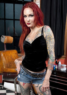Ink-Master-Season-1-Lea-Vendetta-ink-master-37213280-350-495