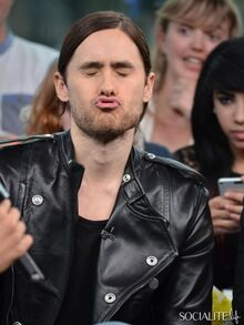 Jared-leto-faces-canada-05102013-08-435x580