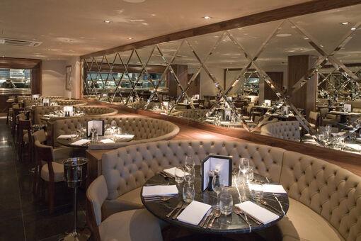 Restaurant-bar-and-grill-martins 02