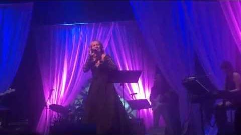Monika Absolonová - Najednou (Live)