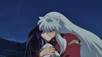 Kikyo e Inuyasha ultimo beso FA 8
