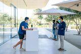 Apple Park Visitor Center curbside service