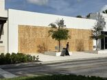 Apple St. Johns Town Center boarded 2020-06-02
