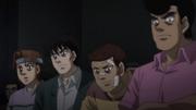 Itagaki, Aoki, Kimura, and Takamura watching Ippo and Yamada fight