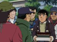 Ippo Receiving Present from Umezawa and Hiroko