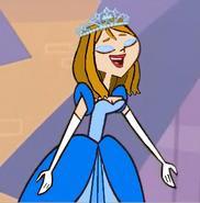 Princessa singing in her school musical as Cinderella