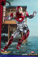 Marvel-spider-man-homecoming-iron-man-mark-xlvii-sixth-scale-hot-toys-903079-06
