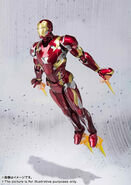 Civil-War-Iron-Man-SH-Figuarts-005