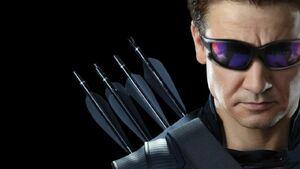 Hawkeye-costume-avengers-3-inifnity-war-1015416-1280x0