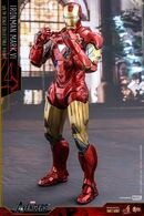 Iron-Man-Mark-6-Die-Cast-Hot-Toys-Movie-Masterpiece-Series-Figure-640x960