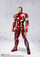 Civil-War-Iron-Man-SH-Figuarts-002