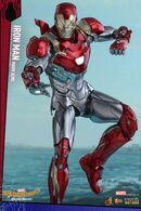 Hot-Toys-Iron-Man-Mark-47-figure-lit-up
