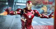 Civil-War-Iron-Man-Mark-46-Diecast-012-928x483