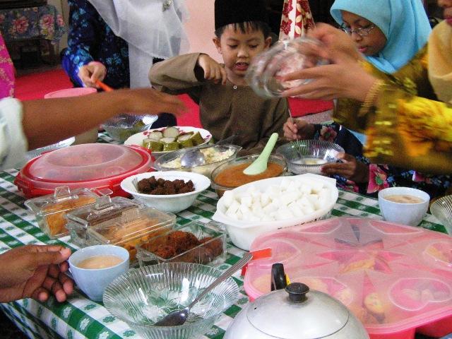Great Dinner Eid Al-Fitr Decorations - latest?cb\u003d20090204032417  You Should Have_603330 .jpg/revision/latest?cb\u003d20090204032417