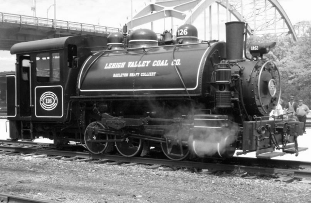 File:Have Engine, Will Travel - Lehigh Valley Coal Co. 126 (2011).png