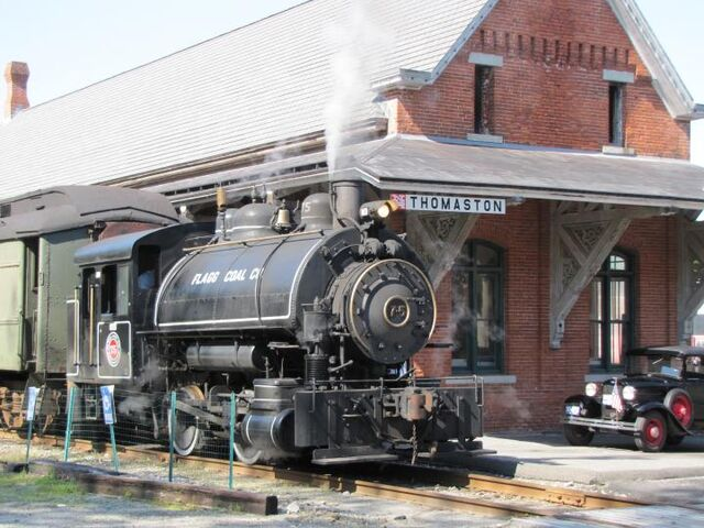 File:Tank Engine in Thomaston.jpg