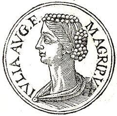 Julia Augusti filia