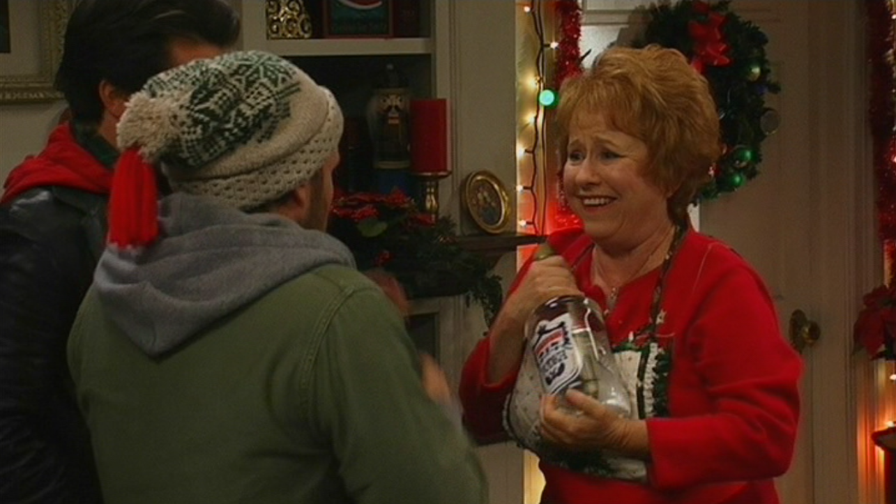 Image - A Very Sunny Christmas (14).png | It's Always Sunny in ...