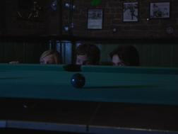1x5 Mac Dennis Dee hiding