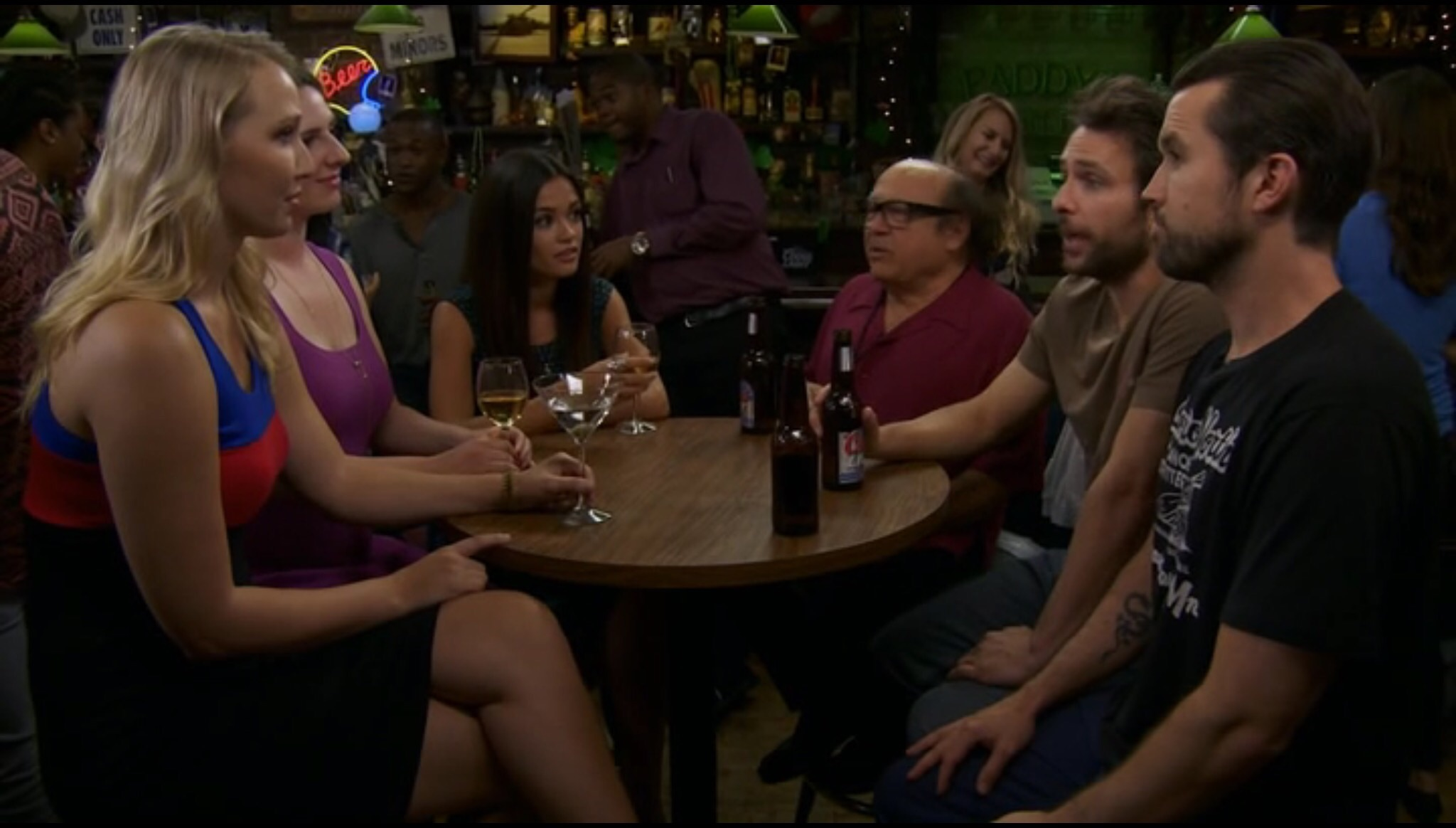 Amy Holland Pennell Wiki the gang group dates | it's always sunny in philadelphia