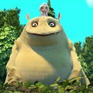 Алёнка и шестилапый из мультфильма «Царевны»