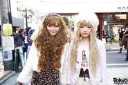 TK-2012-01-28-002-003-Harajuku