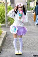 Harajuku-Decora-Fashion-Walk-15-014-300x450
