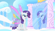 Rarity admirers her wings S1E16