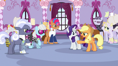 Everypony getting frustrated at Applejack S7E9