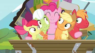 1000px-Pinkie Pie hugging all of the Apples S4E09