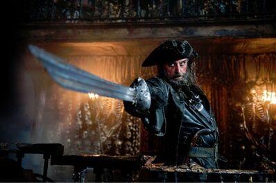 Pirates-of-the-caribbean-on-stranger-tides-ian-mcshane-movie-image