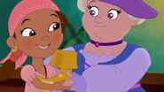Mollie&Izzy-Smee-erella!01