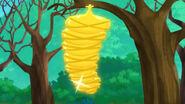 Golden Caterpillar-Big Bug Valley!18
