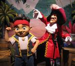 Jake&Hook-Disney Parks01