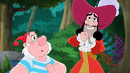 Hook&Smee-Mama Hook Know's best