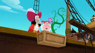 Hook&Smee-Hook's Playful Plant!02
