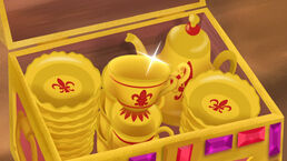 Golden teacups and saucers-Mama Hook Knows Best