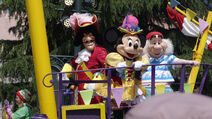 Hook&Smee-Minnie-Paris-Pirates-Princesses-Festival02