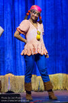 Izzy-Disney-Junior-Live-Pirate-and-Princess-Adventure04