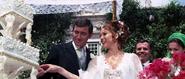 Tracy et Bond lors de la cérémonie de mariage