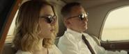 Madeleine et Bond durant le trajet