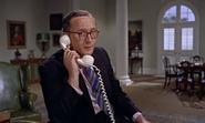 Pleydell-Smith au téléphone