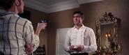 James Bond tenu en joue par Tracy