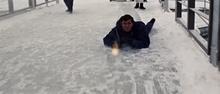 James Bond durant l'assaut du Piz Gloria