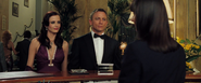 Vesper accompagnant Bond