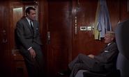 """James Bond et """"Nash"""" discutant à part"""