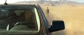 Quantum of Solace - Greene abandoned in the desert