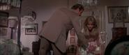 Stacey, Bond et le café