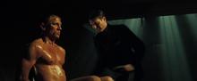 Le Chiffre torturant Bond